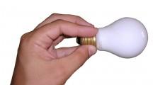 Cztery sprawdzone sposoby na niższe rachunki za prąd