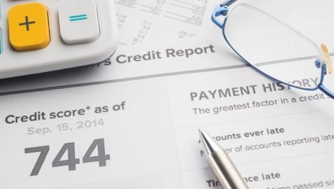Raport kredytowy – jak i kiedy go sprawdzić?