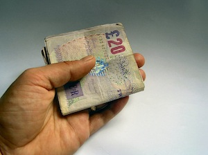 Tysiące ludzi ze średnimi dochodami pożycza tzw. chwilówki (payday loans) w UK.