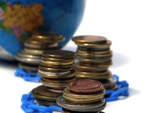 Coraz mniej przesyłanych pieniędzy z UK do Polski