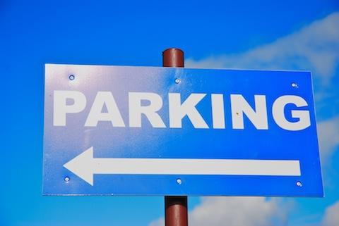 mandat za nieprawidłowe parkowanie w UK