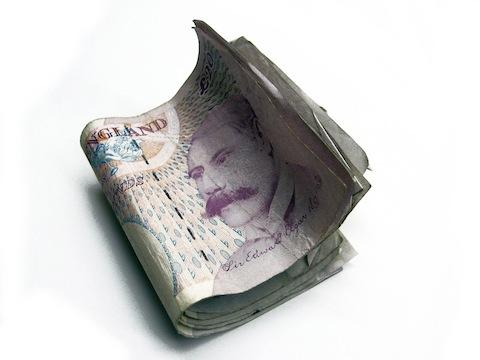 Koszty dodatkowe związane z zakupem nieruchomości w Wielkiej Brytanii