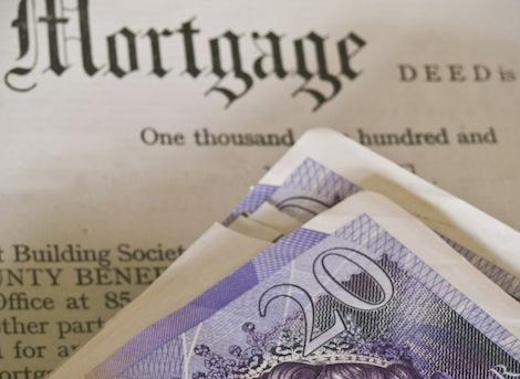 Zbyt zadłużeni, aby kupić własne mieszkanie w UK
