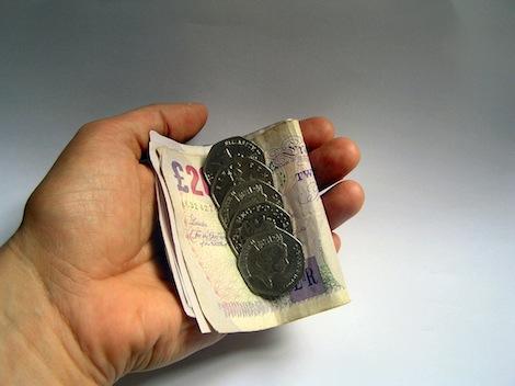 Potrącenia z wynagrodzenia w UK