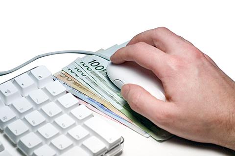 Liczba oszustw w Internecie wyjątkowo duża. Na co powinieneś uważać?