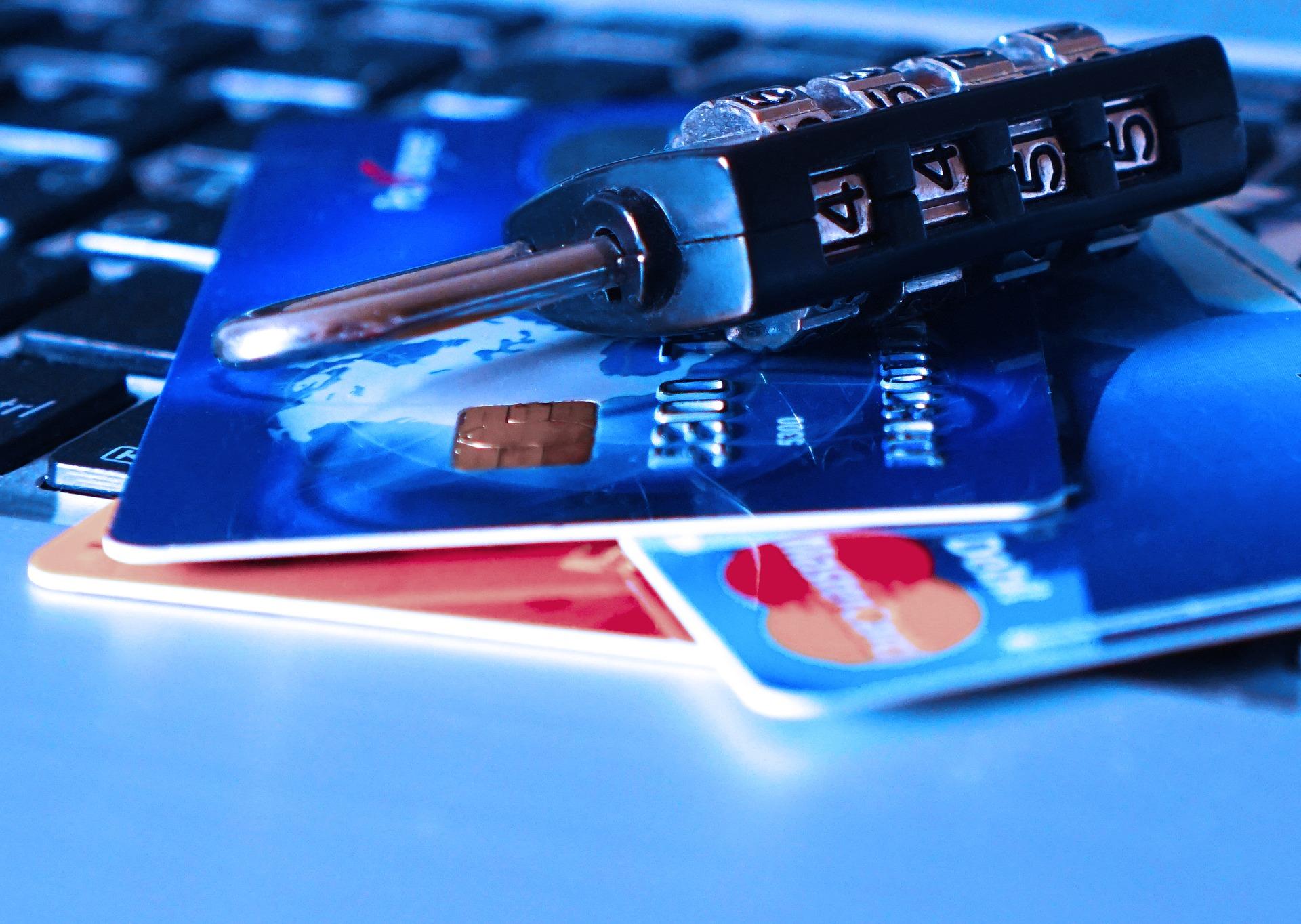 Jak odzyskać pieniądze w przypadku kradzieży tożsamości?
