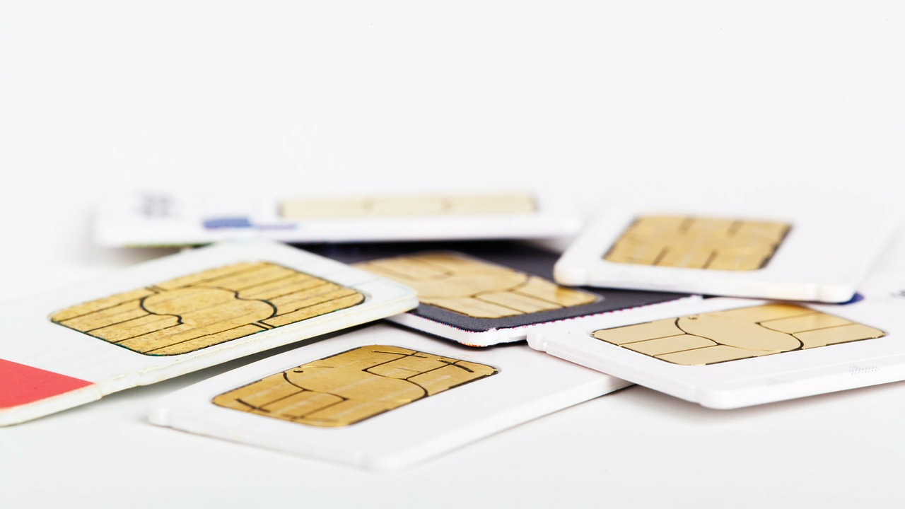 Posiadasz telefon komórkowy w UK? Uważaj, żeby nie przepłacać!
