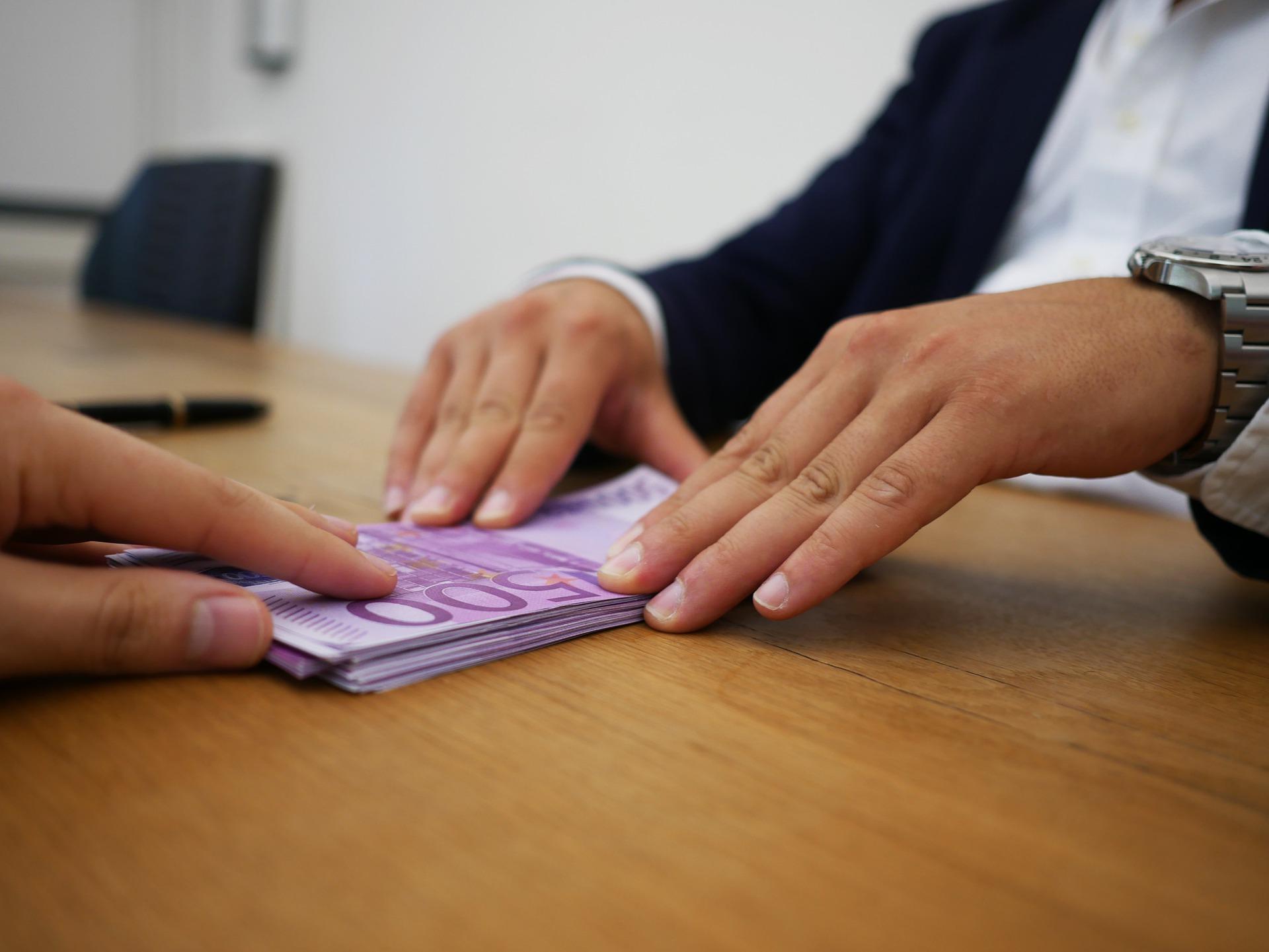 Szukasz taniego kredytu indywidualnego? Poznaj najlepsze oferty z ostatniego kwartału!